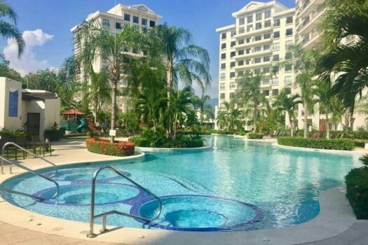 Jaco Bay Condominiums Pool
